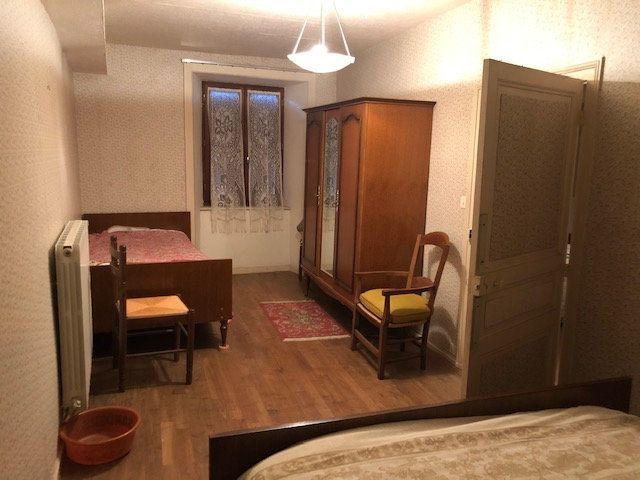 Maison à vendre 5 140m2 à Saint-Laurent-sur-Gorre vignette-4