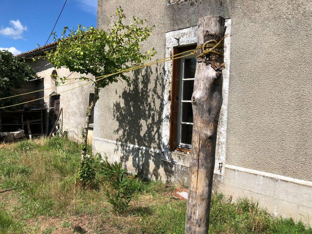 Maison à vendre 5 0m2 à Chassenon vignette-8
