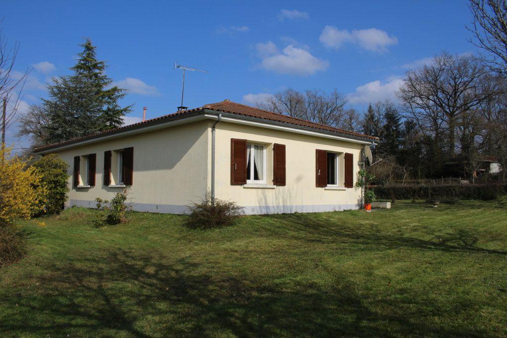 Maison à vendre 3 74m2 à Chassenon vignette-15