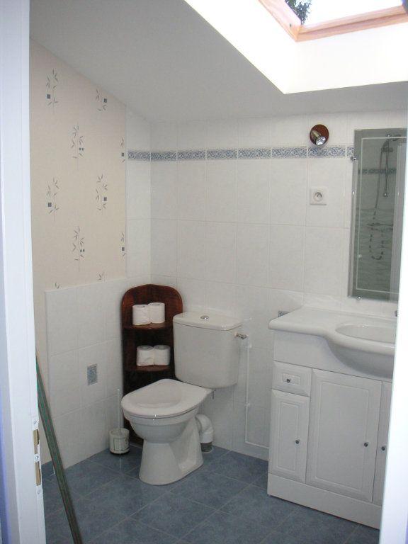 Maison à louer 4 109m2 à Étagnac vignette-12