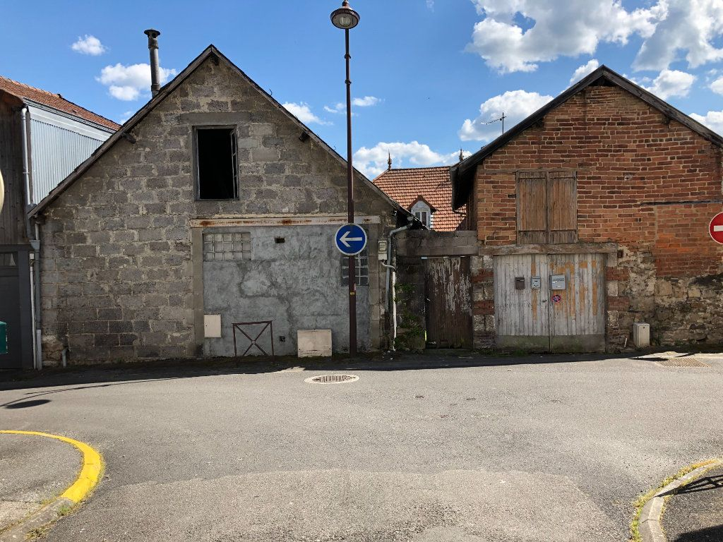 Maison à vendre 5 155m2 à Saint-Junien vignette-1