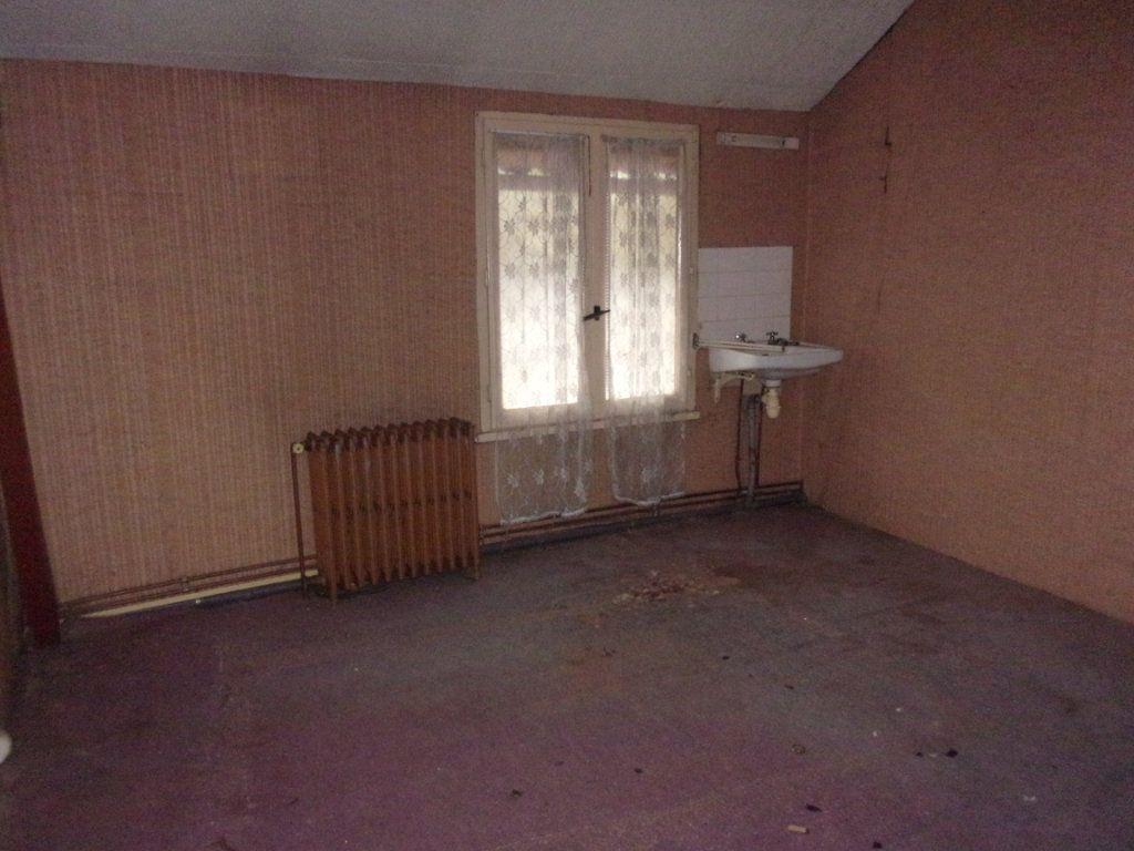 Maison à vendre 5 155m2 à Saint-Junien vignette-8