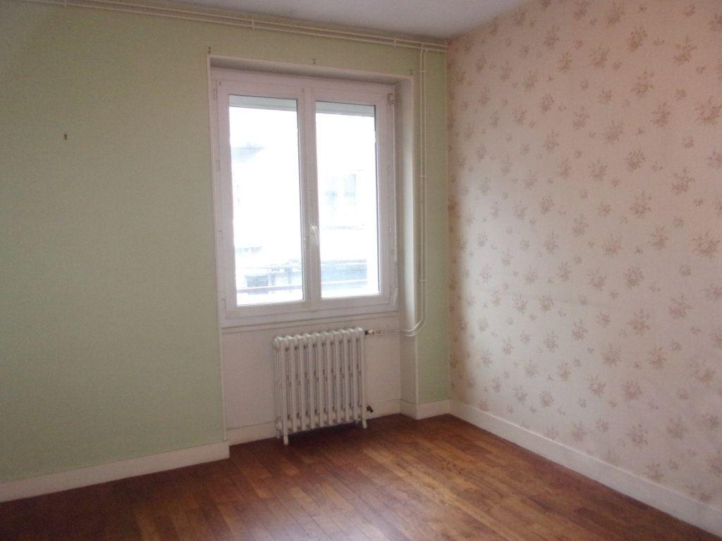 Appartement à louer 3 65m2 à Chabanais vignette-12