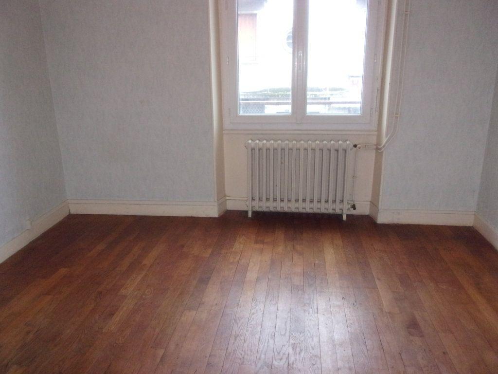 Appartement à louer 3 65m2 à Chabanais vignette-14
