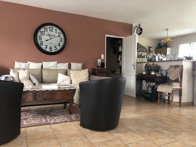 Maison à vendre 5 119m2 à Chabrac vignette-1