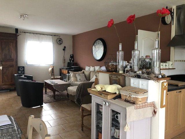 Maison à vendre 5 119m2 à Chabrac vignette-2
