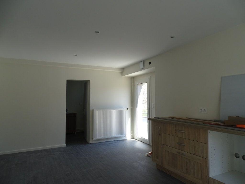 Appartement à louer 4 90m2 à Saint-Junien vignette-1