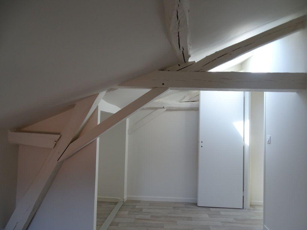 Appartement à louer 4 90m2 à Saint-Junien vignette-2