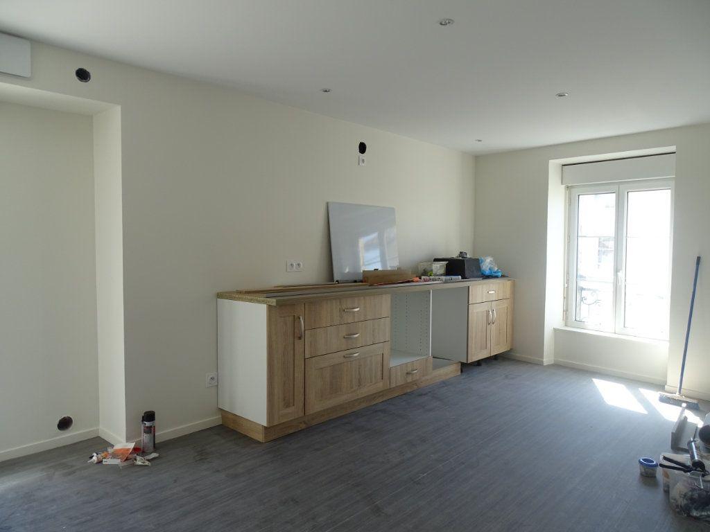 Appartement à louer 4 90m2 à Saint-Junien vignette-12
