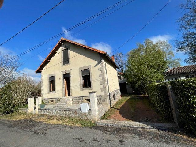 Maison à vendre 5 120m2 à Chabanais vignette-1