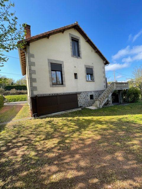 Maison à vendre 5 120m2 à Chabanais vignette-3