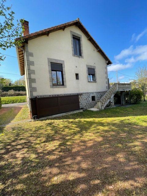 Maison à vendre 5 120m2 à Chabanais vignette-4