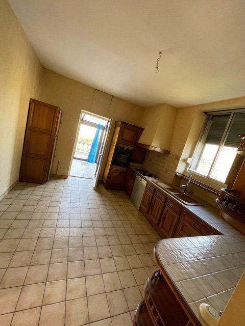 Maison à vendre 5 120m2 à Chabanais vignette-5