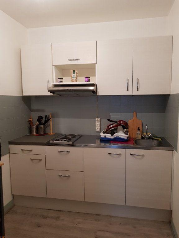 Appartement à louer 2 45m2 à Saint-Junien vignette-3