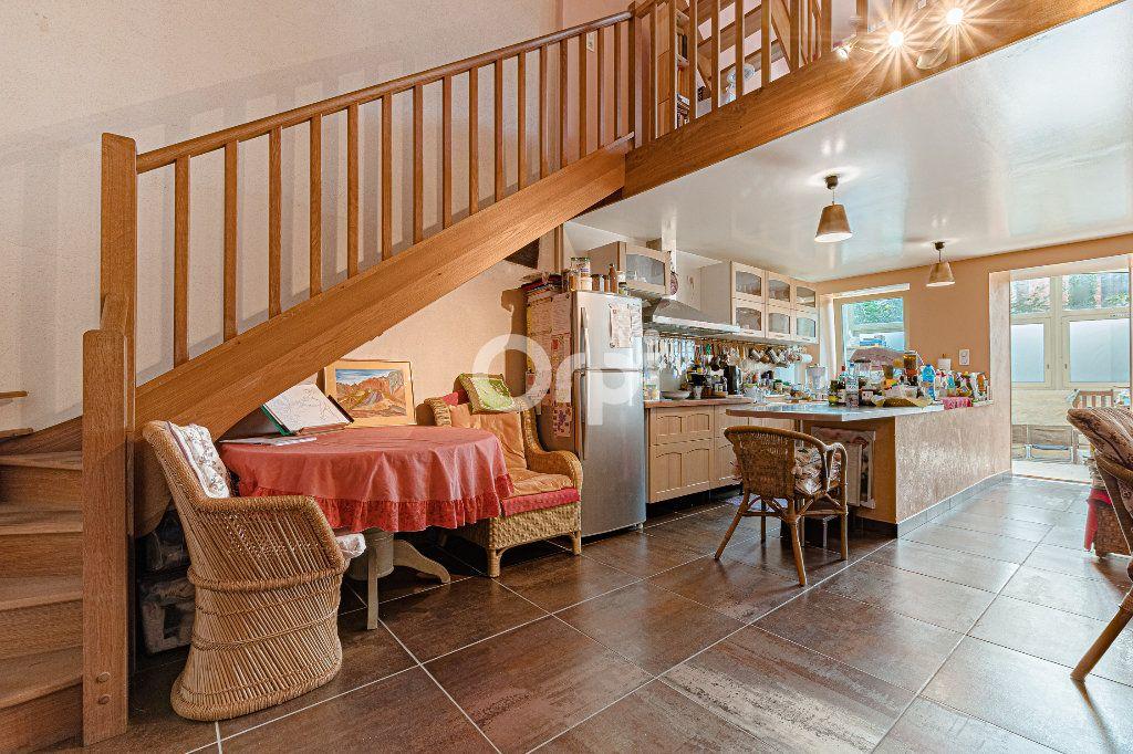 Maison à vendre 5 71m2 à Chassenon vignette-1