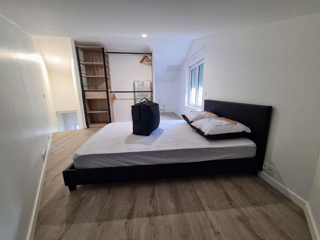 Appartement à louer 2 27m2 à Chabanais vignette-3
