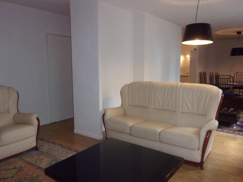 Appartement à louer 4 110m2 à Saint-Junien vignette-4