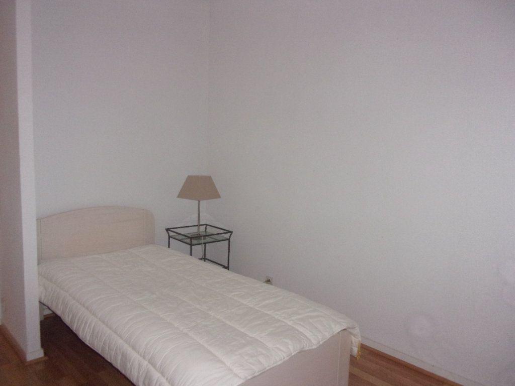 Appartement à louer 4 110m2 à Saint-Junien vignette-9