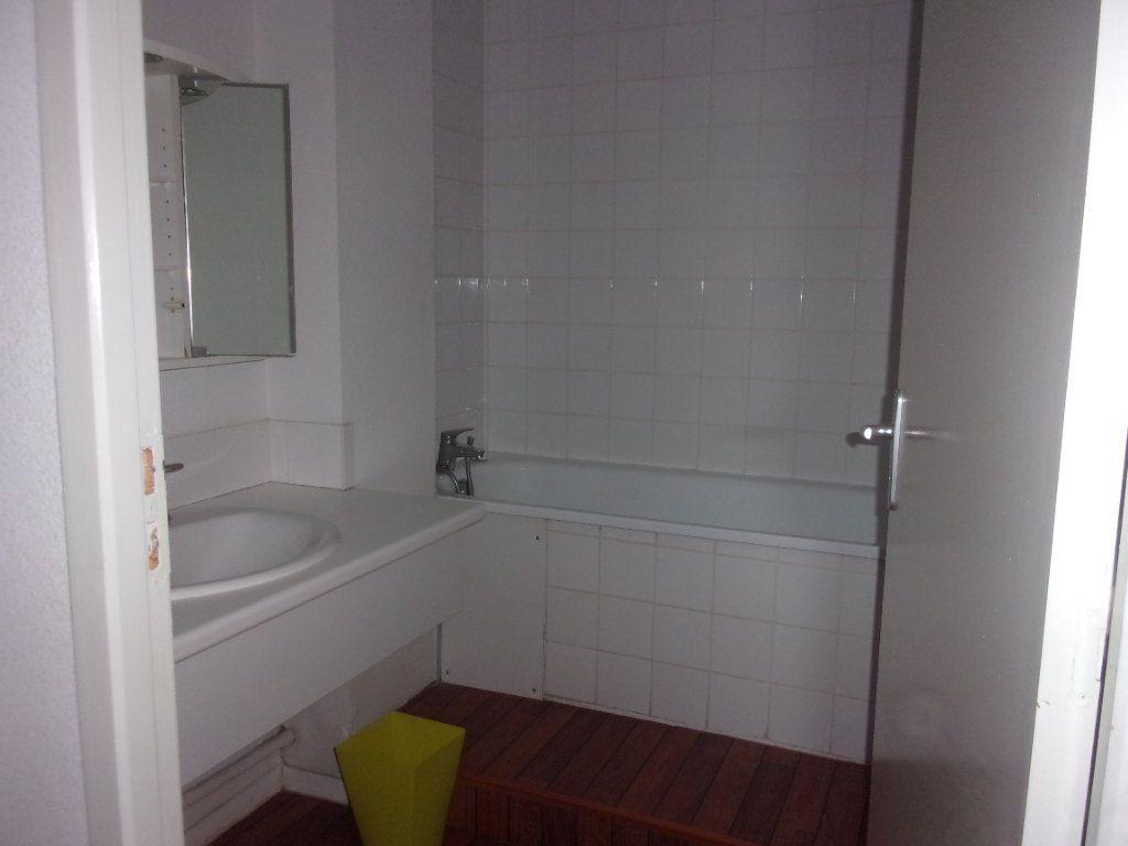 Appartement à louer 4 110m2 à Saint-Junien vignette-15