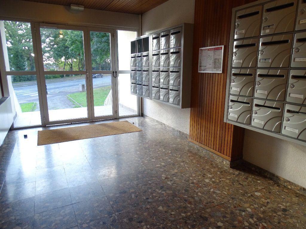 Appartement à louer 4 76m2 à Limoges vignette-1