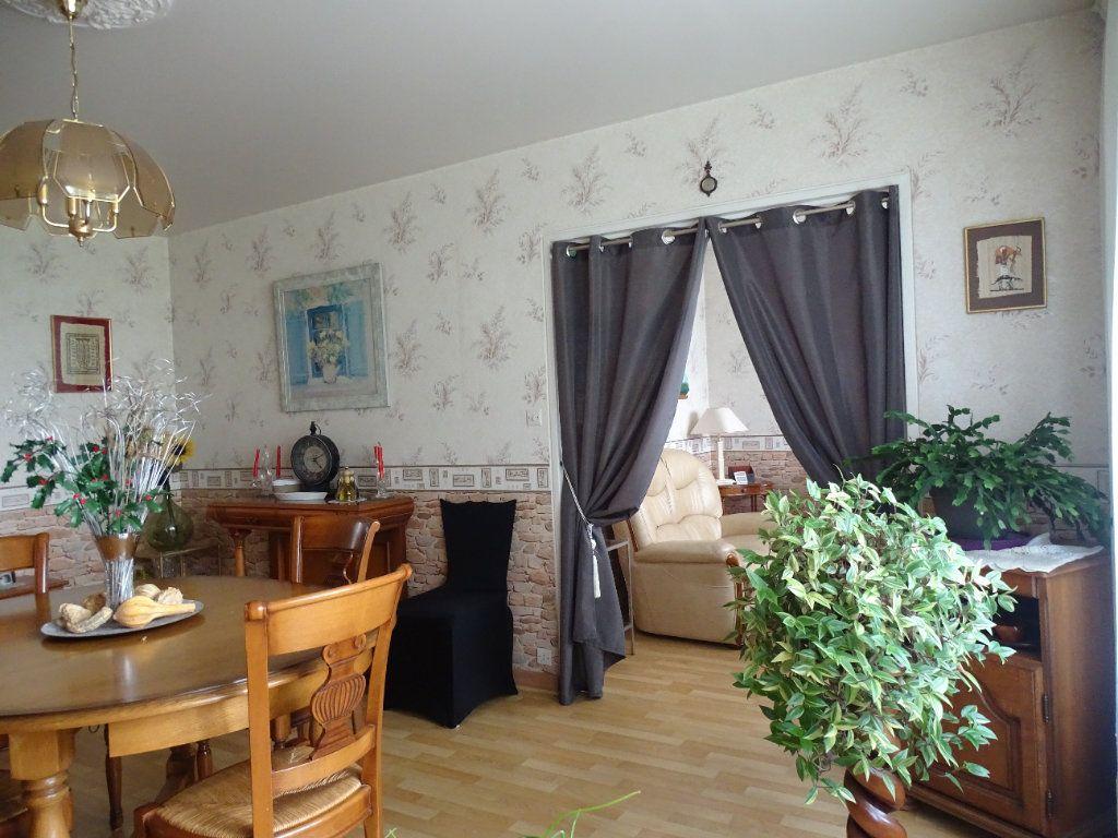 Appartement à louer 4 76m2 à Limoges vignette-3