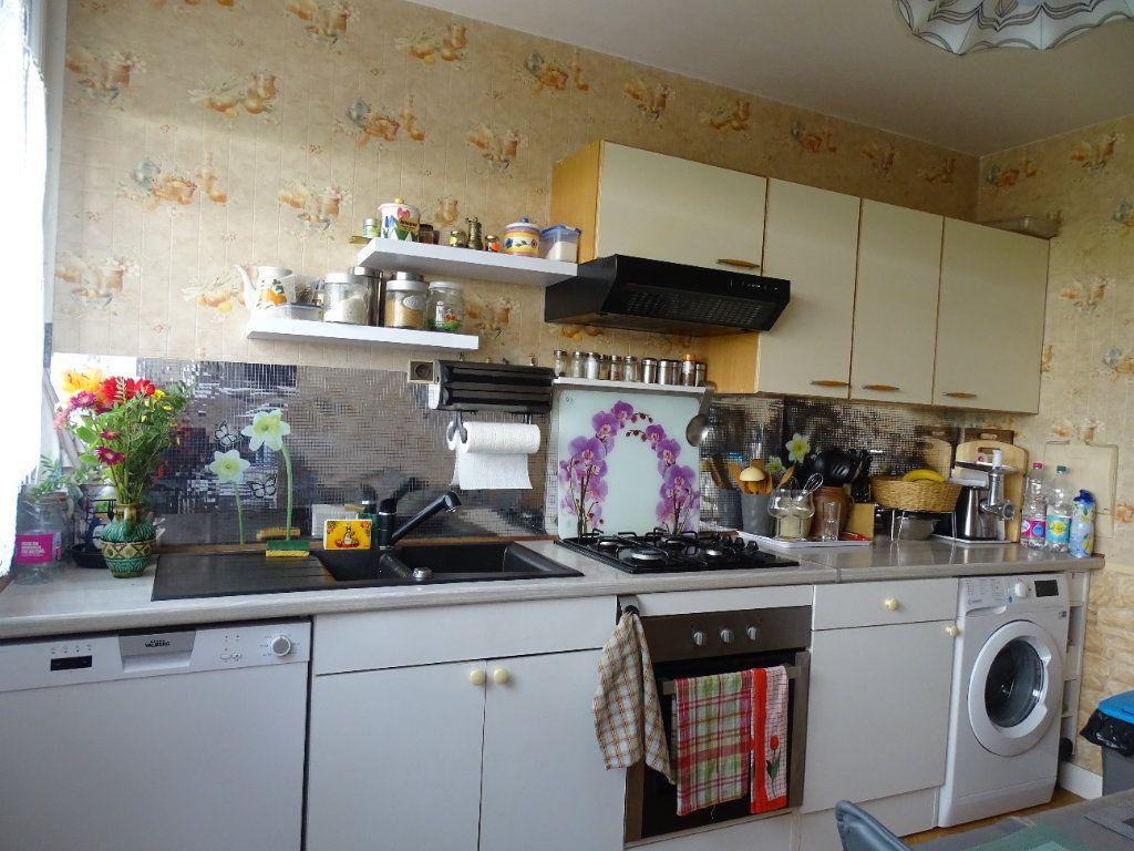 Appartement à louer 4 76m2 à Limoges vignette-6