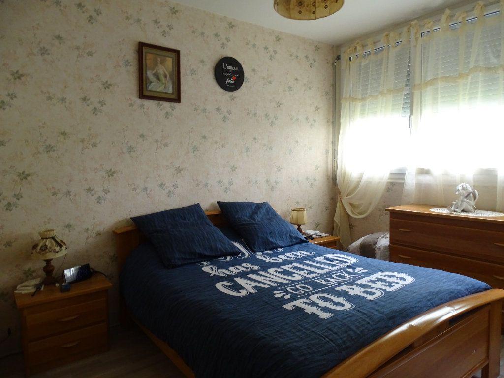 Appartement à louer 4 76m2 à Limoges vignette-11