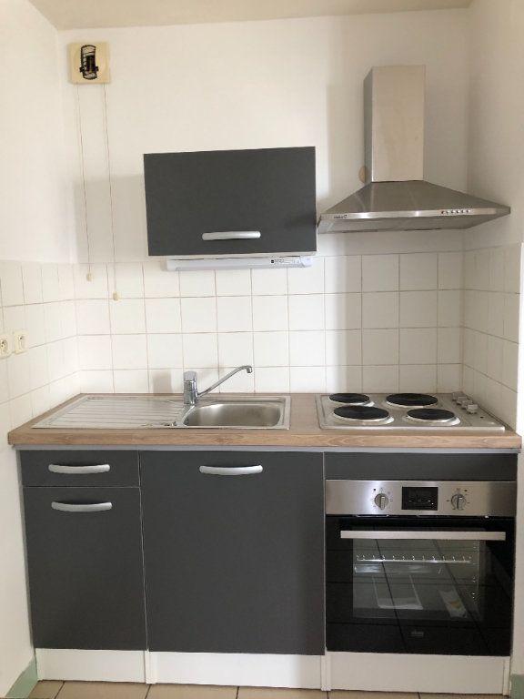 Appartement à louer 2 35m2 à Saint-Junien vignette-1