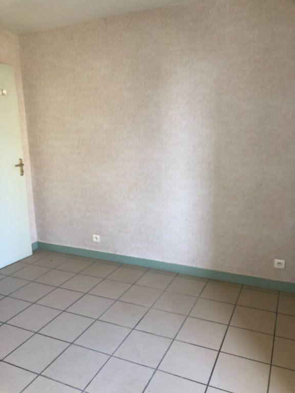 Appartement à louer 2 35m2 à Saint-Junien vignette-6