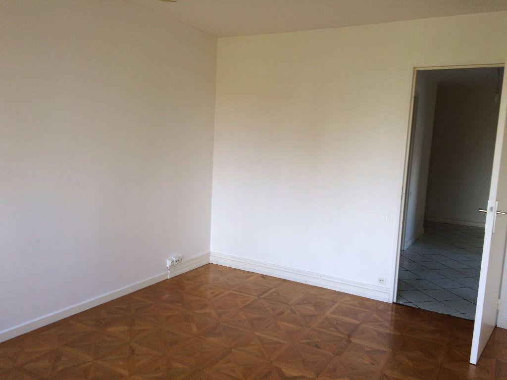 Appartement à louer 3 68.17m2 à Strasbourg vignette-3