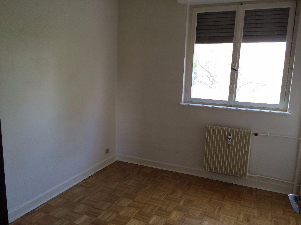 Appartement à louer 3 68.17m2 à Strasbourg vignette-5