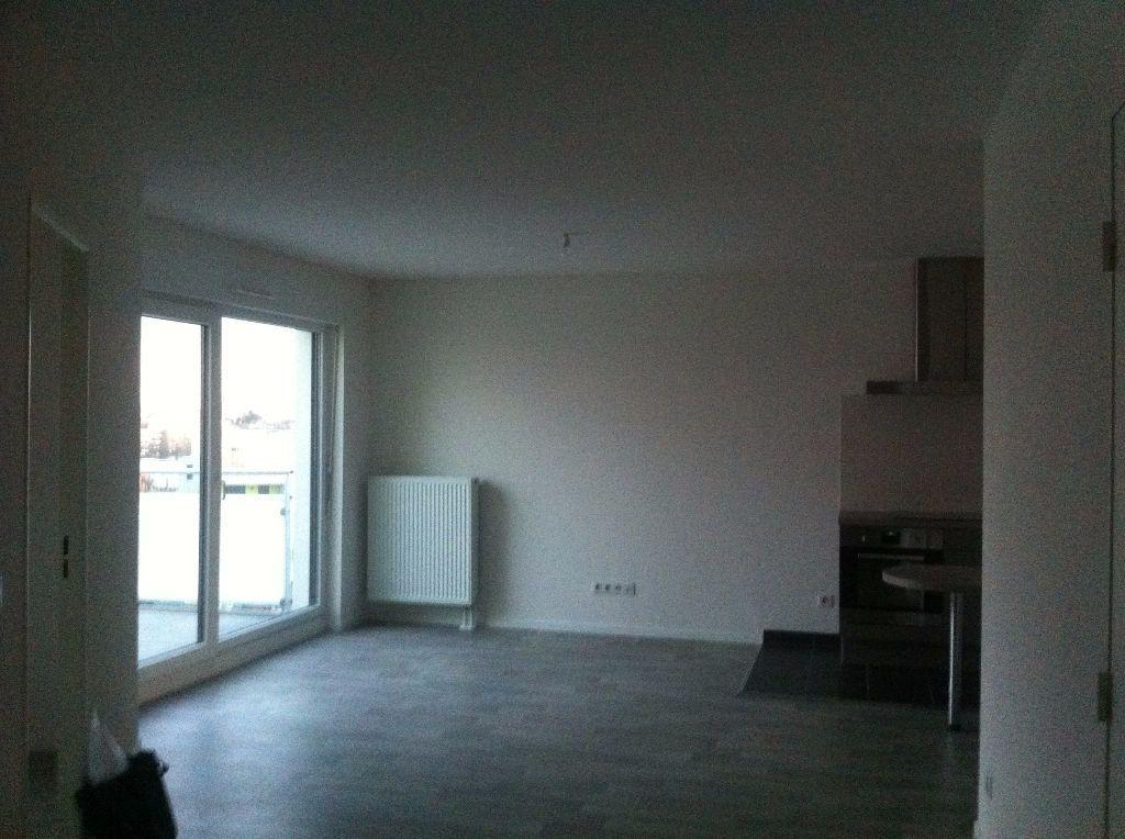 Appartement à louer 4 72.34m2 à Strasbourg vignette-2