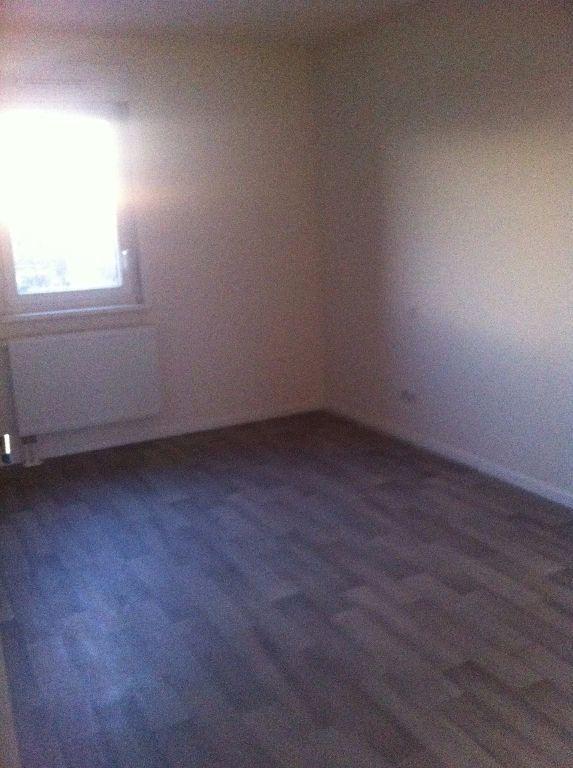 Appartement à louer 4 72.34m2 à Strasbourg vignette-3