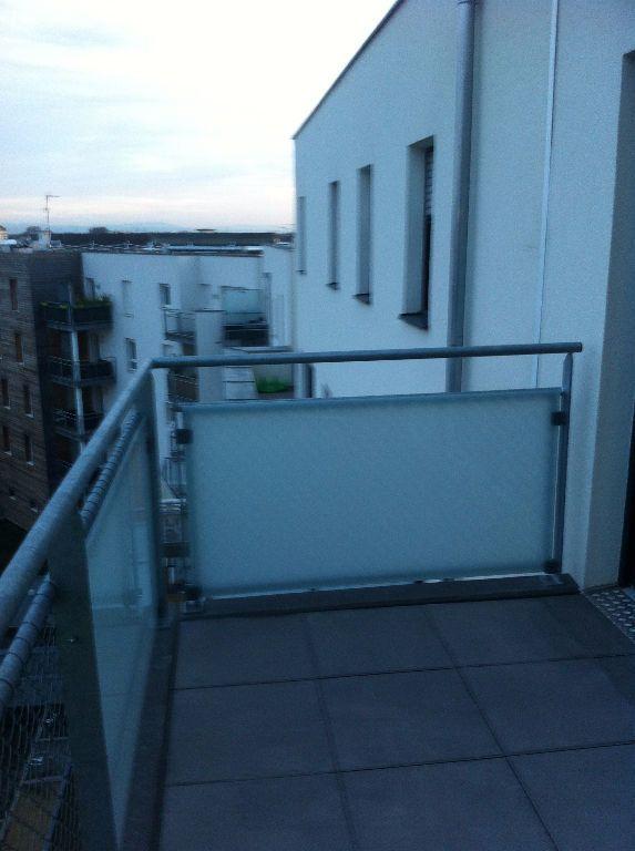 Appartement à louer 4 72.34m2 à Strasbourg vignette-8