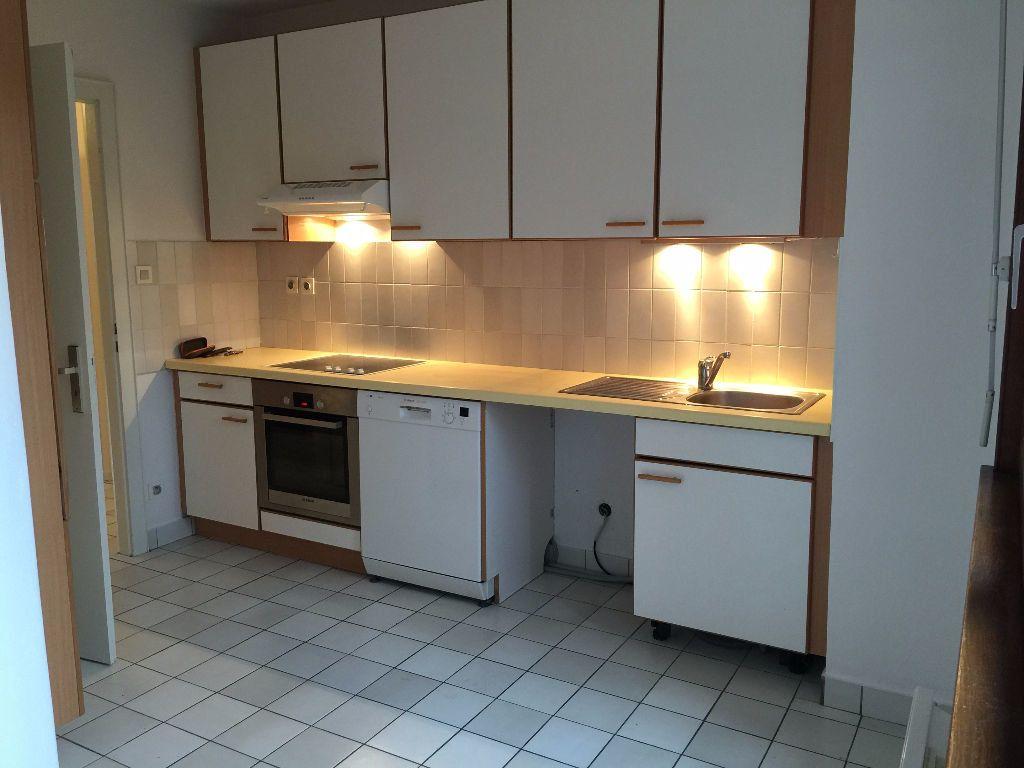 Appartement à louer 4 108m2 à Illkirch-Graffenstaden vignette-2