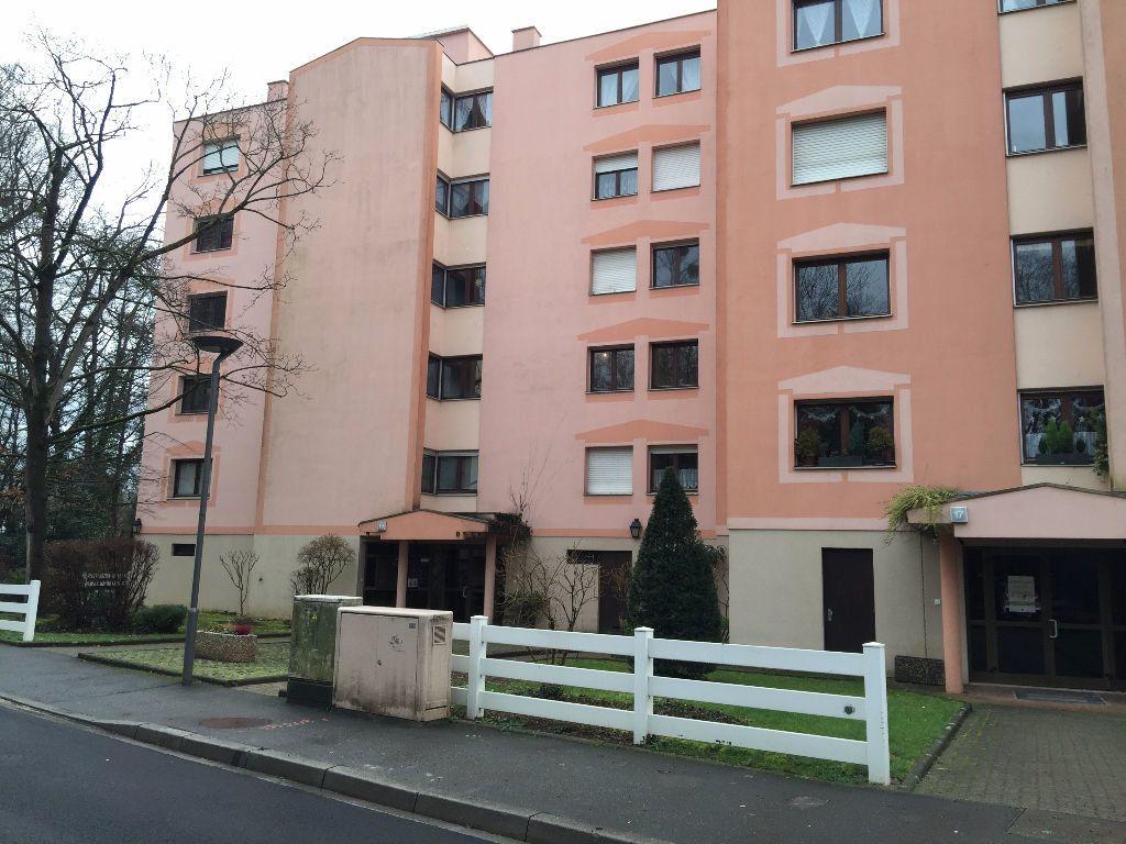 Appartement à louer 4 108m2 à Illkirch-Graffenstaden vignette-3