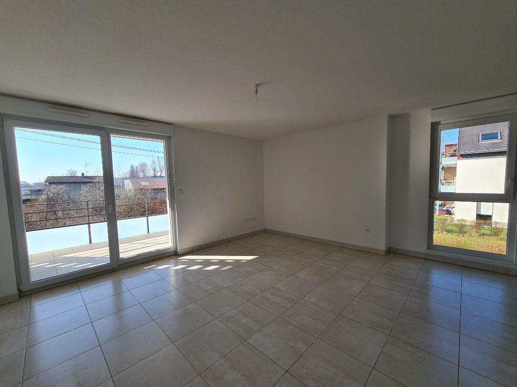Appartement à louer 3 68.92m2 à Eschau vignette-2