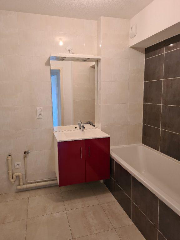 Appartement à louer 3 68.92m2 à Eschau vignette-5