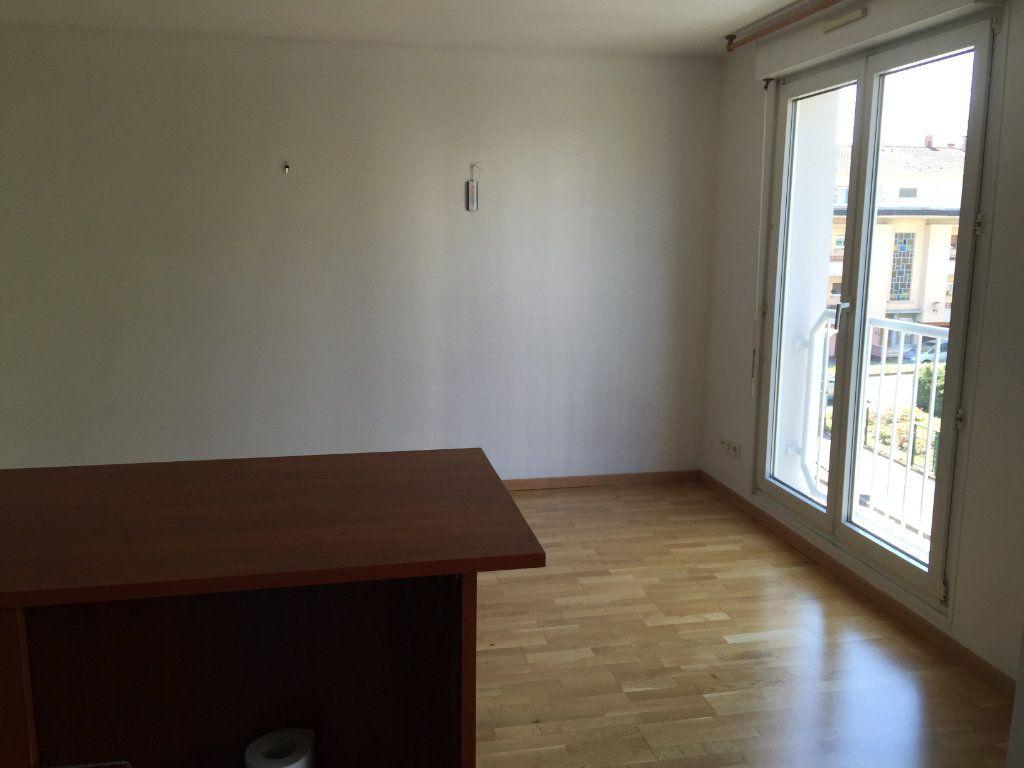 Appartement à louer 1 25m2 à Illkirch-Graffenstaden vignette-4