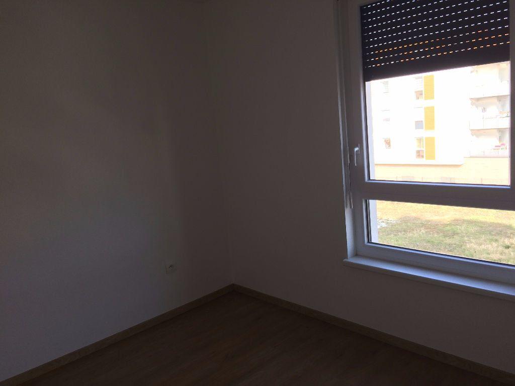 Appartement à louer 3 61.47m2 à Lingolsheim vignette-9