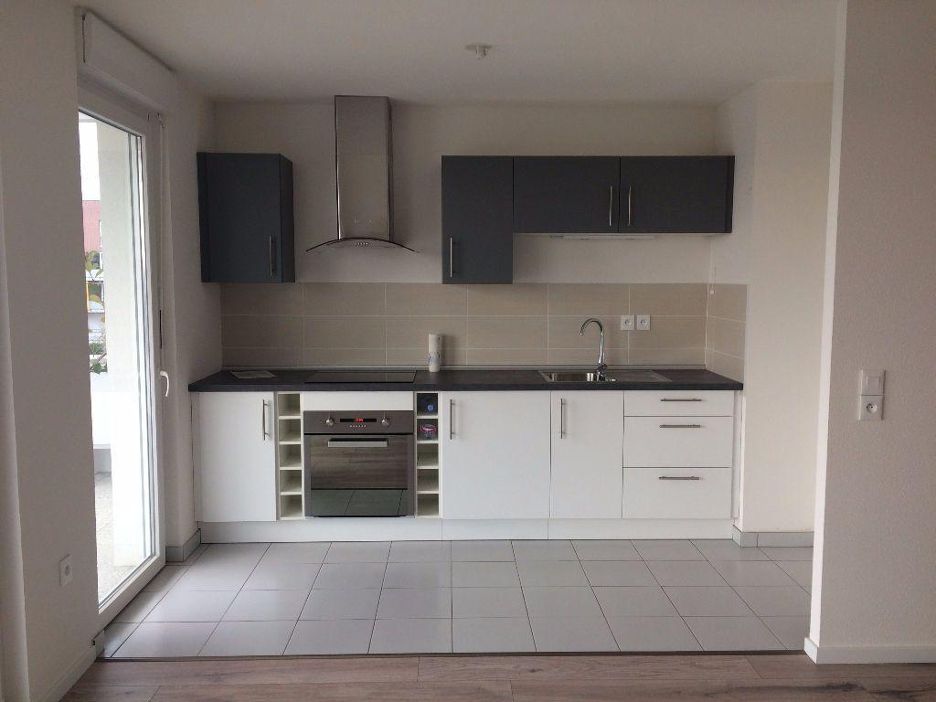Appartement à louer 3 64.11m2 à Lingolsheim vignette-1