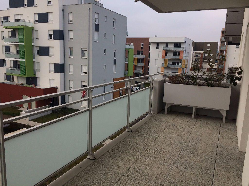 Appartement à louer 3 64.11m2 à Lingolsheim vignette-4