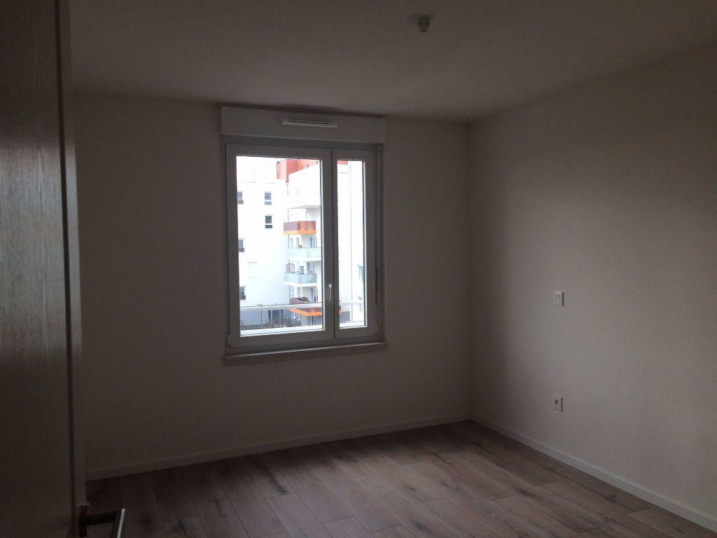 Appartement à louer 3 64.11m2 à Lingolsheim vignette-6