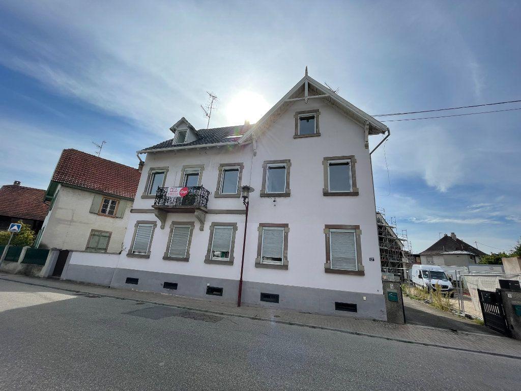 Appartement à louer 4 90.09m2 à Illkirch-Graffenstaden vignette-1