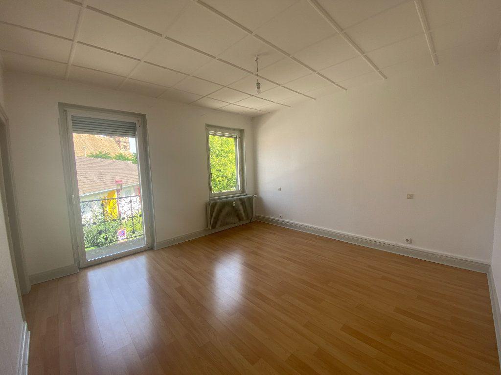 Appartement à louer 4 90.09m2 à Illkirch-Graffenstaden vignette-3
