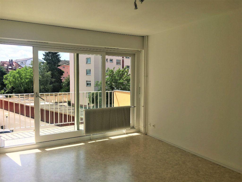 Appartement à louer 1 28m2 à Strasbourg vignette-1