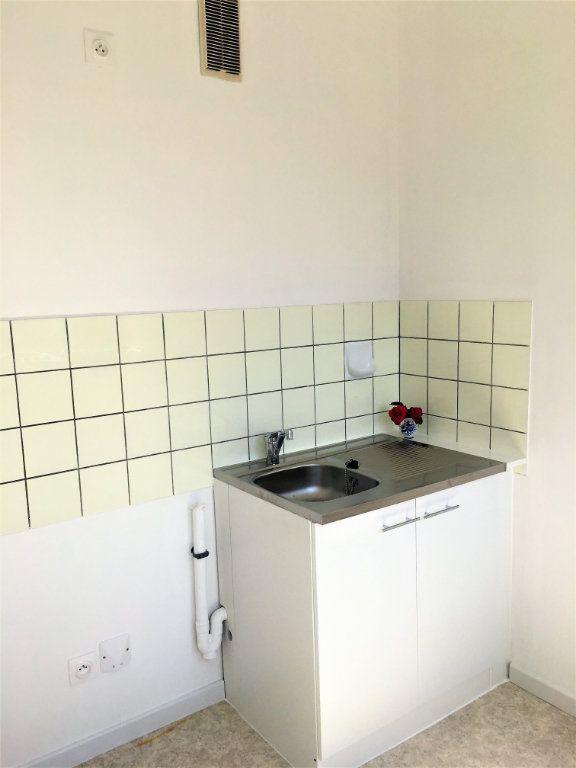 Appartement à louer 1 28m2 à Strasbourg vignette-7