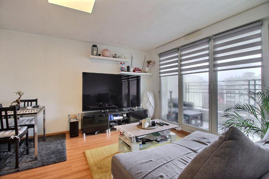 Appartement à vendre 3 60.21m2 à Strasbourg vignette-3