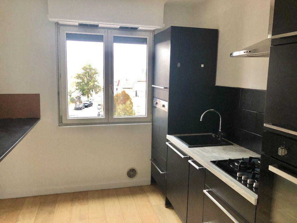 Appartement à louer 3 71.19m2 à Lingolsheim vignette-1