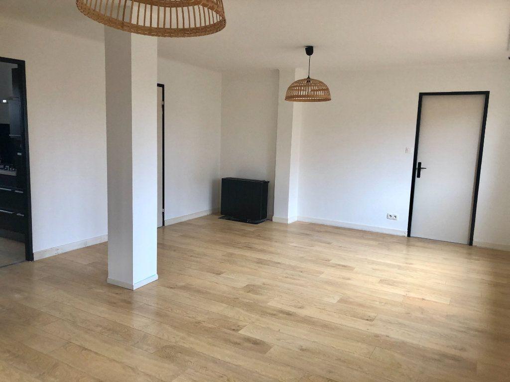 Appartement à louer 3 71.19m2 à Lingolsheim vignette-3